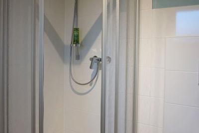 Dusche mit Flacheinstieg