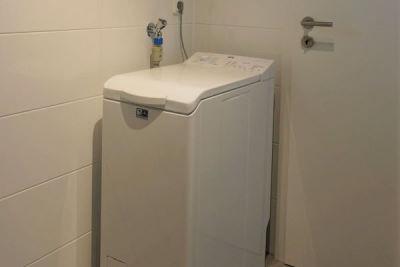 Waschmaschine im Bad EG