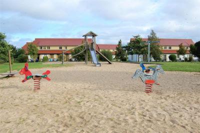 Spielplatz Weiler D eingeschneit